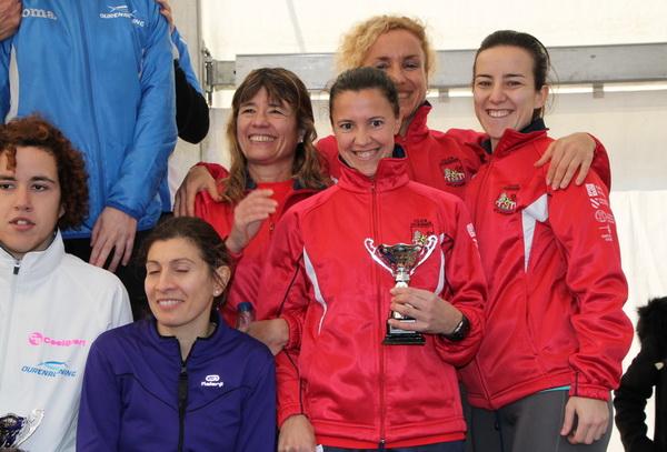 El equipo femenino, tercer clasificado provincial.