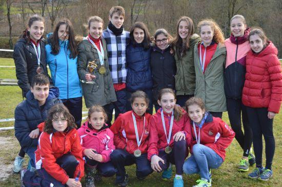 Un grupo de premiados del Club (Foto © Oscar Seoane)