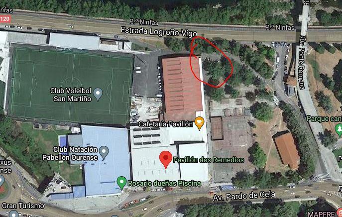 O punto do encontro para os adestramentos da escola é o acceso ao aparcamento do Pavillón, no parque entre as pistas exteriores, o campo de fútbol, a estrada e a Ponte Romana.